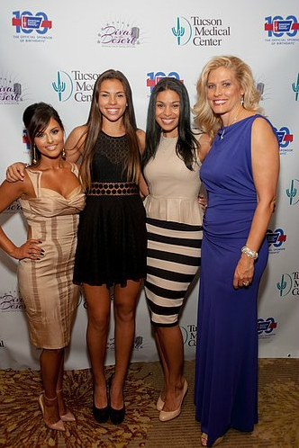 Pia Toscano Jordin Sparks and the Mason family at Divas in the Desert 19