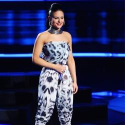 "Pia Toscano - ""River Deep, Mountain High"" - Top 9 - American Idol Season 10 #4"