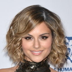Pia Toscano Appears at The Humane Society Los Angeles Benefit Gala #9