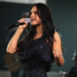 Throwback Thursday: Pia Toscano Performing During the Idols Live! Tour